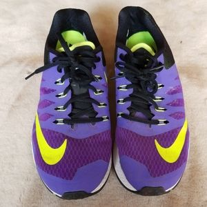 Nike womens neautral ride running sneakers